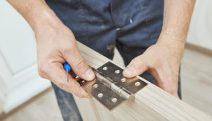 Screws for Engineered Wood and Cabinet Hinges